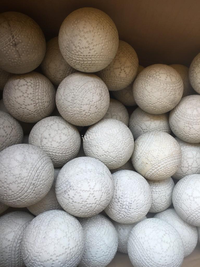 バッティングセンター専用軟球